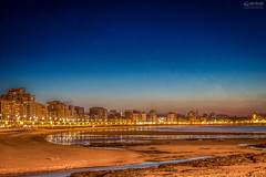 Gijón (Asturias - Spain) (-COULD 2.0) Tags: gijón spain canon 650d t4i 1750 asturias playa noche sea beach night city sky cielo ngc sigma 19mm art 28