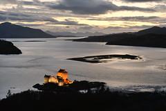 Eilean Donan at night (pentlandpirate) Tags: castle scotland highland eilean donan dornie kyleoflochalsh