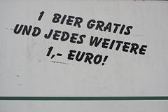 Tautendorf (Harald Reichmann) Tags: euro linie baustelle gratis bier schrift alkohol niedersterreich waldviertel hausbau angebot unterkunft buchstabe aufschrift rufzeichen tautendorf sterreichtrinkt