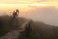 Im Nebel III (not.the.messiah) Tags: sunset sculpture art fog dresden sonnenuntergang nebel kunst skulptur brouillard elbe dunst dresde