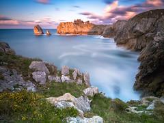 hells cliffs (bertigarcas) Tags: longexposure sunset sea espaa seascape marina landscape atardecer mar spain asturias paisaje olympus zuiko omd ribadesella 918 largaexposicion em5