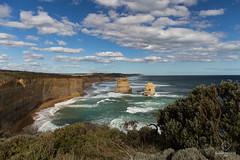 W-IMG_5752 (baroudeuses_voyage) Tags: ocean road sea beach londonbridge rocks oz cove great meadow australia roadtrip victoria cliffs van greatoceanroad 12apostles apostles australie gor elgrotto