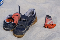 TH20150514A603255 (fotografie-heinrich) Tags: strand socken ostsee schuhe zingst