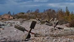 R ISLAND, FINLAND (Holtsun napsut) Tags: park sea trekking canon suomi finland landscape island outdoor sigma east tokina national 70200 meri maisema itmeri kansallispuisto luonto saari 1116mm r patikointi eos7d eos550