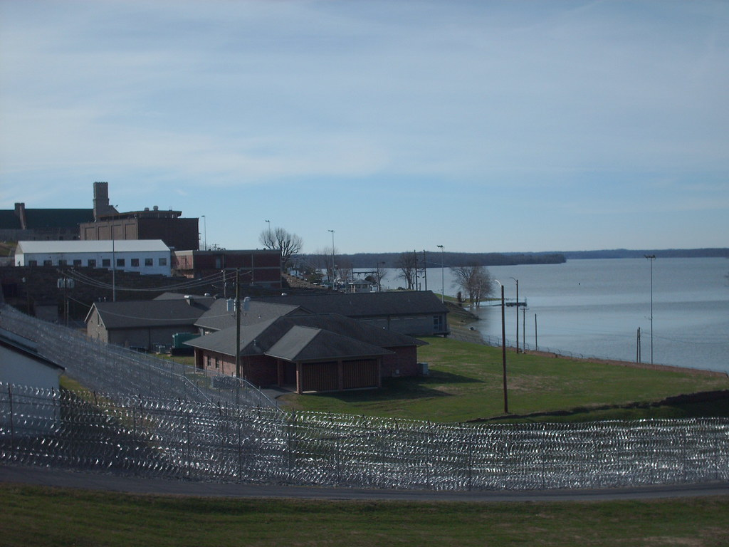 penitentiary crime and american prison paper Essay on crime rates in prison this paper deals with the social no prison time for juvenile crime students are shooting up schools across the country.