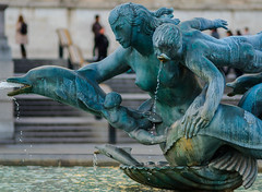 A Trafalgar Square Fountain  (Olympus OMD EM5II & mZuiko 75mm F1.8 Prime) (markdbaynham) Tags: city urban london westminster square prime capital trafalgar evil olympus metropolis f18 omd csc oly mz 75mm londoner londonist m43 zd mft mirrorless micro43 microfourthirds micro43rd mzuiko m43rd em5ii zuikolic