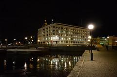Helsinki (villejvirta) Tags: suomi finland helsinki lowlight nikon nightscene coolpixa