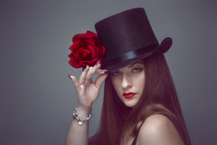 Hello (Malia Len ) Tags: hello red portrait woman beauty hat rose canon studio rojo chica retrato rosa lips sombrero roja chistera malialeon