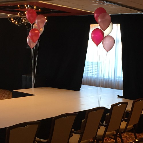 Gronddecoratie 5ballonnen Carlton Oasis Hotel Spijkenisse
