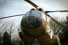 Alter Hubschrauber / Old Helicopter (R.O. - Fotografie) Tags: old lost lumix place outdoor alt bad panasonic helicopter rotten fz 1000 dmc technicalmuseum verlassen hubschrauber technikmuseum helikopter oeyenhausen fz1000 dmcfz1000
