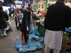 Leeds Market (davemason) Tags: market yorkshire leeds streetphotography shoppers davemason