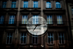 220/365 Time to Reflect (ewitsoe) Tags: street city urban clock window glass 35mm nikon time poland times passing 365 relfection passes poznan poalnd cityscpae d80 ewitsoe