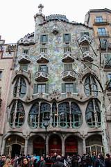 Casa Batllo (Miguel Angel Hoyos) Tags: barcelona casa ciudad rara
