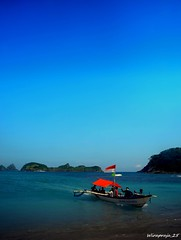 3 (wirapraja25) Tags: beach indonesia landscape ship eastjava banyuwangi wediireng