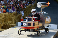 Romano Fafard (DJ Axis) Tags: road street red canada racetrack race hall team downtown  montral montreal cte du bull downhill beaver qubec transportation manmade vehicle 40 cart soapbox wacky centreville boite bote savon 2015 soapboxes quipes motorless bolides boiteasavon wackiest hurtled