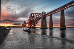 Looking... (Innerleithen man) Tags: bridge sunset people evening scotland boat nikon redsky hdr pilotboat slipway firthofforth southqueensferry forthrailbridge hawespier nikond5100 snapseed