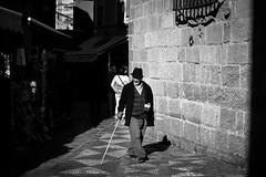 Calles de Mlaga BN (lolosawis) Tags: blanco canon eos 50mm y gente 14 negro streetphotography calles mlaga documental monocromtico 600d