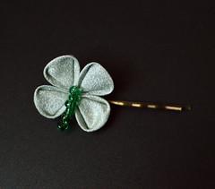 clover bobbypin set 03 (2) (Bright Wish Kanzashi) Tags: handmade silk hairornament kimonosilk tsumamikanzashi japanesetechnique tsumamizaiku