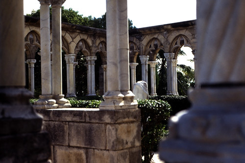 "Bahamas 1988 (275) Paradise Island: Versailler Garten und Kloster • <a style=""font-size:0.8em;"" href=""http://www.flickr.com/photos/69570948@N04/23501829923/"" target=""_blank"">View on Flickr</a>"