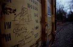 CONRAIL TWITTY (Don't Sink) Tags: film train nikon end fujifilm 222 fg dif conrail twitty moniker