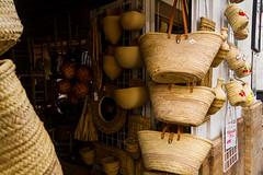 CESTERA. BASKET SHOP (bacasr) Tags: espaa shop store andaluca traditional tienda baskets popular artesana shoppingbasket craftmanship cestas winestore sanlucardebarrameda sanlucar tpico basketmaking craftworks cestera basketshop despachodevinos