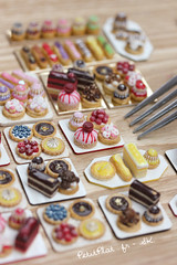 Miniature Ptisserie Trays (PetitPlat - Stephanie Kilgast) Tags: paris france cake miniatures miniature gourmet polymerclay fimo biscuit patisserie pastry dollhouse religieuse frenchfood sainthonor clair miniaturefood oneinchscale