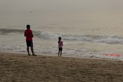 Daddy's Daughter.... (M V Clikz) Tags: morning beach marina daddy outdoor daughter relationship daddydaughter