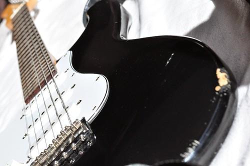 Гитара Fender Stratocaster Курта Кобейна