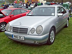 309 Mercedes E300 Avantgarde (W210) (1997) (robertknight16) Tags: germany mercedes e300 1990s weston avantgarde w210 r182ocj