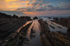 Barrika IV (Sergio Nevado) Tags: sunset sea seascape beach water atardecer mar agua long exposure playa paisaje bizkaia vasco euskadi vizcaya pais exposicion larga cantabrico barrika