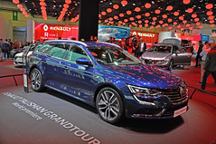 Renault Talisman Grandtour (Kevin-A.) Tags: show camera new people cars industry public car sport mobile japan germany photography japanese photo am nikon automobile gm all foto fotografie leute nissan hessen d weekend frankfurt cam main picture large pic automotive renault full international worldwide german toyota motor local concept autos 5000 hybrid der messe peugeot kamera largest association opel ausstellung iaa wochenende 308 2016 automobil 508 citreon 2015 verband 2017 vda ffentlich d5000 automobilindustrie