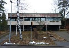 Sopulitie 31 (neppanen) Tags: house building suomi finland helsinki talo rakennus betoni discounterintelligence elementti sampen helsinginkilometritehdas sopulitie sopulitie31
