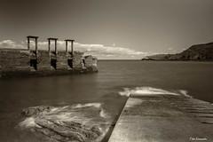 El viejo puerto de LLumeres, Gozn, Asturias (ton21lakers) Tags: marina canon puerto muelle mar asturias playa paisaje gozon ba tamron too cantabrico escandon pedreru