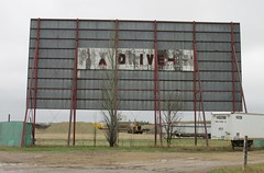 Old Drive-in Theater (Stabbur's Master) Tags: abandoned southdakota drivein sd abandonedbuildings ruralamerica derelictbuildings highway14 highway183 ruralsouthdakota olddrivein winnersd abandoneddrivein winnersouthdakota ruralsd pixdrivein