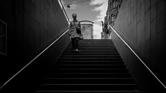 1, 2, 3, 4, 5.... (Per sterlund) Tags: street bw stairs underground subway noiretblanc metro sweden stockholm streetphotography trainstation ubahn fujifilm bnw tunnelbana baw 2016 stermalmstorg photographiederue gatufoto fotografadecalle fotografiadistrada strasenfotografie fujifilmxt1