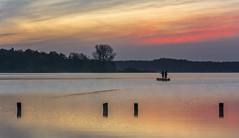 Die zwei Angler (rahe.johannes) Tags: see wasser wolken sonnenaufgang spiegelung schleswigholstein wolkenstimmung westensee