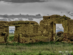 Puertas al campo (Esmerejon) Tags: paisaje adobe castellana meseta fuentesdenava puertasalcampo arquitecturacastellana construccinconadobe