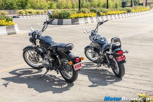 Bajaj-Avenger-220-vs-RE-Classic-350-01