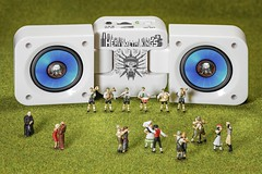 Heavy Metal Kings (Fusselhirnchen) Tags: people little tiny makro figuren noch modellbau faller merten preiser h0 miniaturen pppies miniaturwelten