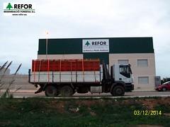 CAMION VOLQUETE GRUA REFOR S.L. UTILIZADO PARA EL TRANSPORTE DE FRUTAS Y OTROS PRODUCTOS AGRICOLAS DESDE EL CAMPO A LOS ALMACENES DE CONFECCION F4 (JOAQUIN PERALES MARTINEZ - REFOR S.L.) Tags: medioambiente aenor herbicida refor agroforestal maquinariaagraria trabajosagricolas reforsl joaquinperalesmartinez regeneracioforestalsl controldelavegetacion controlvegetacion trabajostragsa regeneracionforestal tratamientoherbicida maquinariatratamientosfitosanitarios biocidas controldeplagasurbanas transportefrutas recolecciondefrutasyhortalizas tratamientosagricolas transportesagrarios camionvolquetegrua camiontrasportesagrarios personaltrabajosagricolas maquinariareforsl