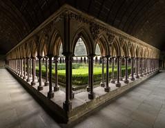 6/52 Clotre du Mont Saint Michel (eric_marchand_35) Tags: france abbey bretagne normandie gothique unescoworldheritage manche montsaintmichel abbaye xiii cloitre 1018mm eos7d