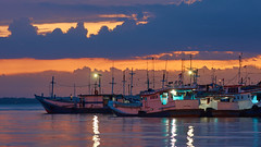 Before the Sail (jipan) Tags: sunset sea seascape port boats fisherman nikon 135mm balikpapan nikkorafd80200mmf28geniii