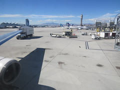 Ladies and gentlemen, welcome to LAS (i.e. fabulous Las Vegas) (jimbob_malone) Tags: plane unitedstates lasvegas nevada 2015