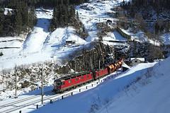 11632 & 11279, Wattinger Curve, 5 Feb 2016 (Mr Joseph Bloggs) Tags: railroad train switzerland merci swiss railway sbb cargo curve bahn railways treno freight holcim kurve wassen re420 re44 re66 11279 11632 sbbcargo re1010 sigirino re620 wattinger hunwangen