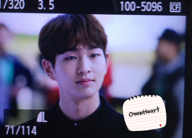 160328 Onew @ '23rd East Billboard Music Awards' 25502318643_1c65be5c7f_z
