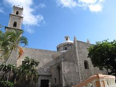"Merida: l'église de Jésus <a style=""margin-left:10px; font-size:0.8em;"" href=""http://www.flickr.com/photos/127723101@N04/25920723866/"" target=""_blank"">@flickr</a>"