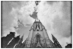 Tratado de la union divina (Felipe Crdenas-Tmara) Tags: sky church divine neopan analoguephotography voigtlnder15mmf45 leicam6085ttl felipecrdenastmara voiglander15mm voiglandersuperwide15mm