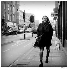Lopen in een broek met kapotte knien    ;-) (Digifred. Thx for > 3 000 000 views.) Tags: street city blackandwhite holland netherlands girl amsterdam blackwhite iamsterdam nederland streetphotography canals jeans knee mode grachten straat 2016 knien digifred pentaxk3 modegril