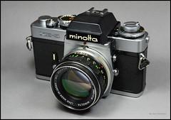 Minolta XE-5 on Display (02) (Hans Kerensky) Tags: camera slr 35mm lens japanese minolta display mc 55mm 1975 standard 117 xe5 rokkorpf