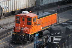 GN 3703 (cc8039) Tags: minnesota yard minneapolis trains bnsf sw1500 northtown mp15